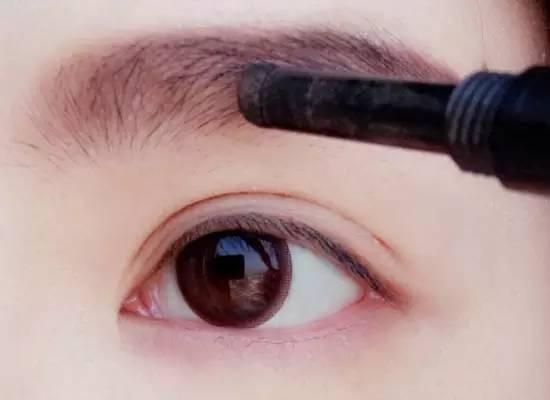 麻城化妆培训学校淡妆的画法步骤