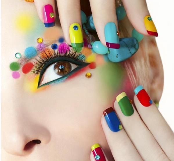 学化妆培训要多久?需要多少钱?